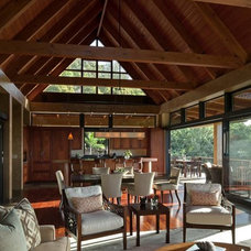 Tropical Living Room by McClellan Architects