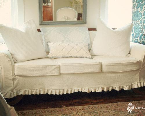eclectic living room idea in