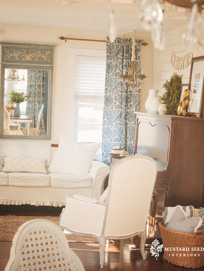 Traditional Living Room by Mustard Seed Interiors