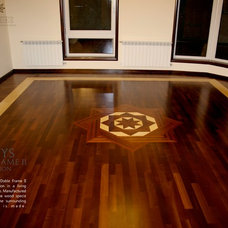 Traditional Living Room by Pavex Parquet SRL
