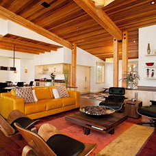 Rustic Living Room by Ryan Group Architects