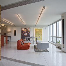 Contemporary Living Room by Searl Lamaster Howe Architects