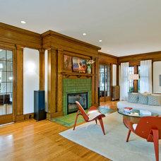 Craftsman Living Room by seattlehometours.com