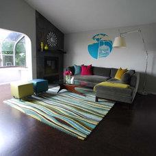 Modern Living Room by Susan Deneau Interior Design