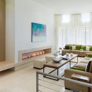 Exemple d'un salon tendance ouvert avec un mur blanc, une cheminée ribbon, aucun téléviseur et un sol en marbre.