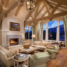 Traditional Living Room by THINK architecture Inc.