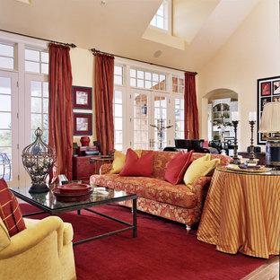 Idée de décoration pour un très grand salon tradition.