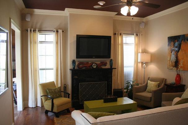 Traditional Living Room by Zaunbrecher Design