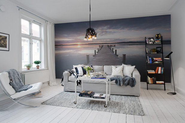 Beach Style Living Room by insideout