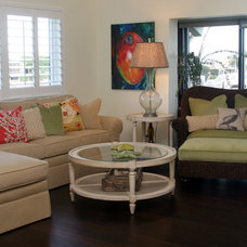Tropical Living Room by L.Lynn Interiors