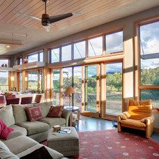 Contemporary Living Room by Carlos Delgado Architect