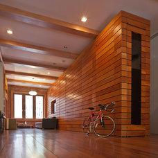 Modern Living Room by JENDRETZKI LLC