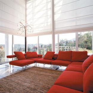 Modernes Wohnzimmer in Surrey