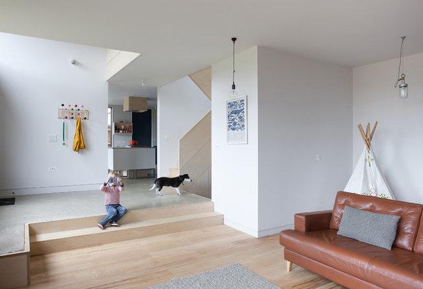 Scandinavian Living Room by Mailen Design