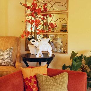 ポートランドの広いトランジショナルスタイルのおしゃれな独立型リビング (フォーマル、濃色無垢フローリング、標準型暖炉、石材の暖炉まわり、テレビなし) の写真