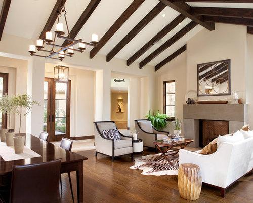 mediterrane wohnzimmer mit dunklem holzboden ideen design bilder beispiele. Black Bedroom Furniture Sets. Home Design Ideas