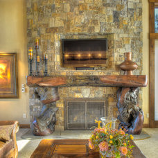Traditional Living Room by Suzanne Marie's Interiors, Suzanne Denning