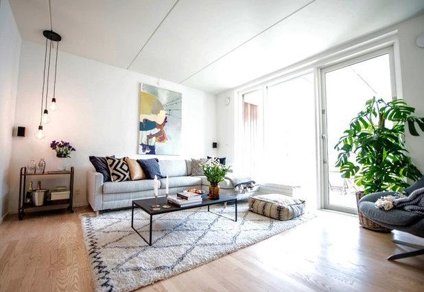 Scandinavian Living Room by Homewings