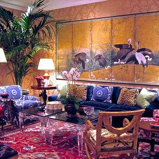 Esempio di un soggiorno etnico di medie dimensioni e chiuso con sala formale, pareti gialle e nessuna TV
