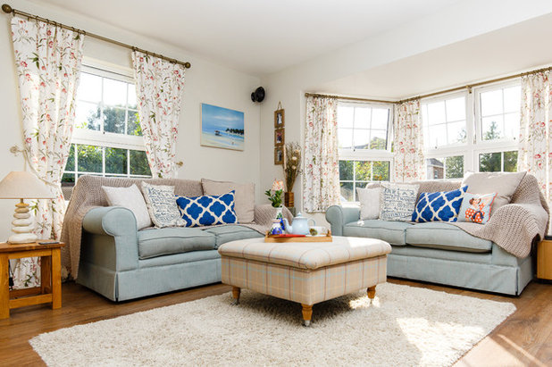 Country Living Room by Jenny Ballantyne Interiors