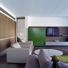 Modern Living Room by MINOSA