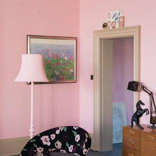 サセックスのトラディショナルスタイルのおしゃれなリビングの写真