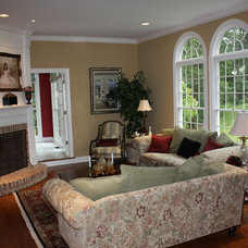 Traditional Living Room by Dreambridge Design, LLC.