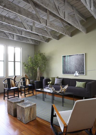 Rustic Living Room by John Lum Architecture, Inc. AIA