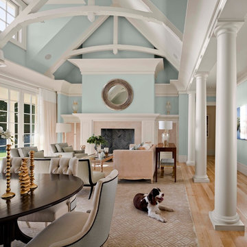 Luxurious Oceanside Home in Colors of Water