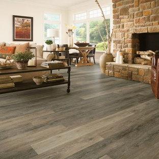 Esempio di un soggiorno classico con pavimento in vinile