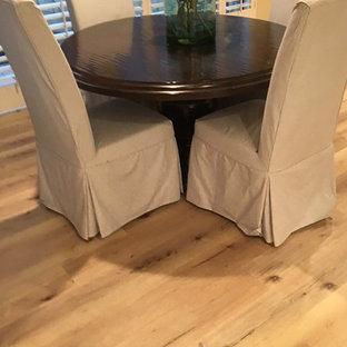 Ispirazione per un soggiorno chic con pavimento in vinile e pavimento beige