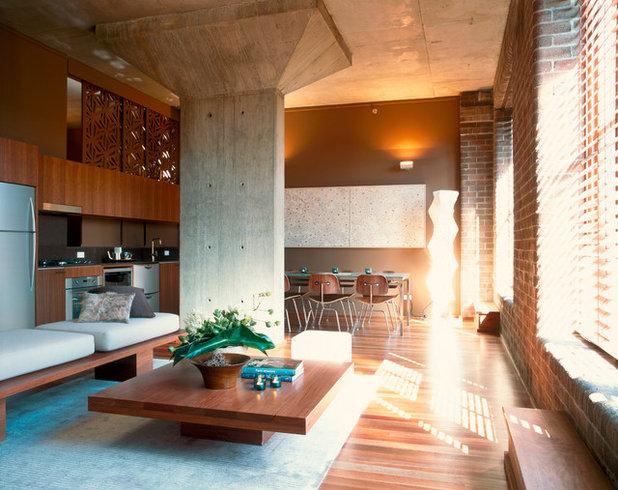 Industrial Living Room by Dale Jones-Evans Pty Ltd Architecture