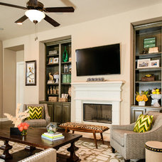 Traditional Living Room by M/I Homes