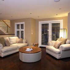 Transitional Living Room by Synthesis Design Inc.