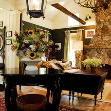 Farmhouse Living Room by Nicola's Home
