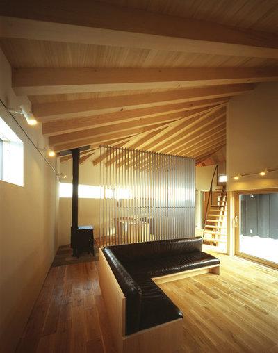 ラスティック リビング by TAO建築設計