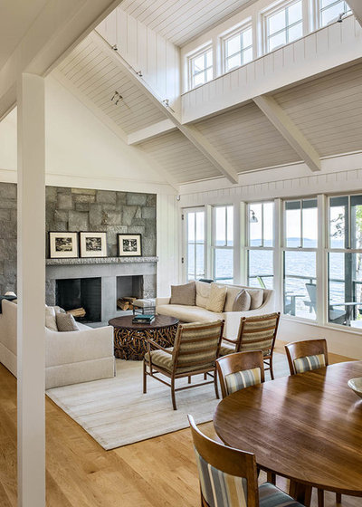 Beach Style Living Room by Hamilton Snowber Architects