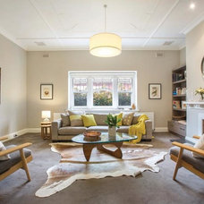 Transitional Living Room by Darren Comber