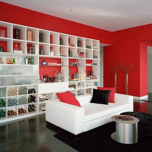 Foto di un ampio soggiorno minimal con pareti rosse e parquet scuro