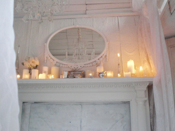 Traditional Living Room Mantle