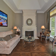 Traditional Living Room by Easton Homes Inc.