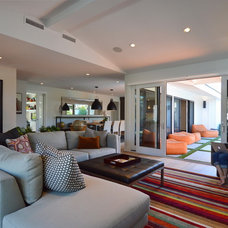 Midcentury Living Room by Jeannette Architects