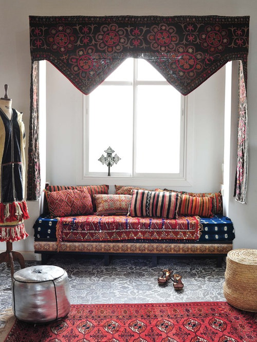 Best moroccan style home decor design ideas remodel pictures houzz for Moroccan living room decor ideas