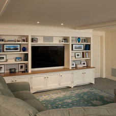 Beach Style Living Room by Elizabeth Swartz Interiors