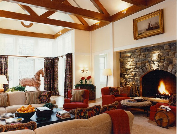 Traditional Living Room by BROWN DAVIS ARCHITECTURE & INTERIORS