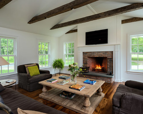 Old chicago brick fireplace houzz for 8x8 living room