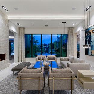 他の地域のコンテンポラリースタイルのおしゃれなLDK (白い壁、横長型暖炉、テレビなし、白い床) の写真