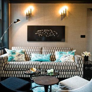 Diseño de salón para visitas cerrado, contemporáneo, sin chimenea y televisor, con paredes beige