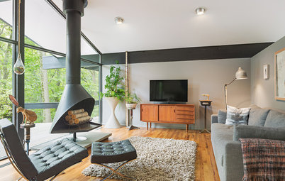 Houzz Tour: Bright Outlook for a Midcentury Home in the Trees