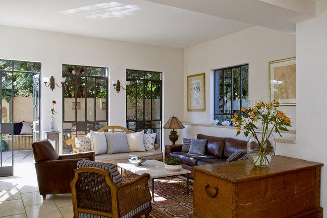 Mediterranean Living Room by NURIT GEFFEN-BATIM STUDIO